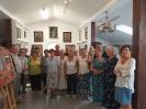 Uczestnicy warsztatów dla seniorów z opiekunami.